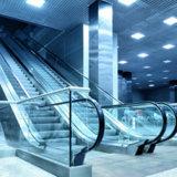 Scala mobile domestica elettrica dell'interno residenziale dell'aeroporto poco costoso