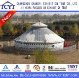 Luxuxim freienfamilie entspannen sich kampierendes Partei mongolisches Yurt Zelt