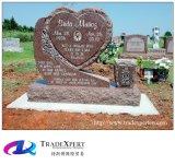 Tutto il cuore disponibile del granito di colore ha modellato il disegno decorativo dei fiori intagliato Headstone