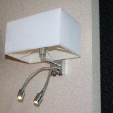 Lámpara de pared doble de la lectura del cuello del ganso del cromo con la cortina de la tela