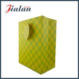 La couleur de jaune de forme de diamant étiquette le sac de papier fait sur commande de ventes en gros bon marché