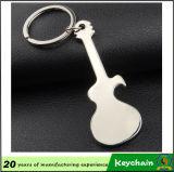 Pequeño abrelatas Keychain de la guitarra
