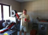 Salsicha que faz o cortador da bacia da máquina