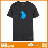 남자의 곰 힘 운영하는 스포츠 t-셔츠