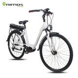 700c avanza a poquitos la bici eléctrica, bicicleta eléctrica con la MEDIADOS DE E-Bici del motor impulsor de Bafang