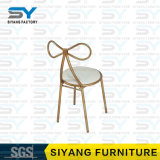結婚式の家具の椅子を食事する現代椅子のEero Saarinenのチューリップの椅子
