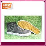 Les chaussures occasionnelles vulcanisées des hommes neufs de mode