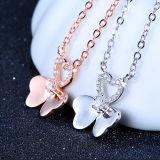 Collar pendiente Shaped de Rose de las mujeres de la mariposa elegante del oro