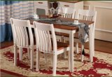 Tabela e cadeiras mediterrâneas de jantar da mobília da madeira contínua