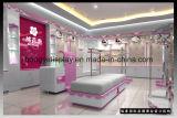 Estante de la ropa de marca mujer tienda de decoración de interiores