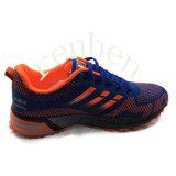 Pattini della scarpa da tennis dei nuovi uomini popolari arrivanti