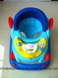 Baby-Wanderer mit Musik