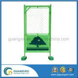 Cerca provisória projetada com porta 0.9 x verde 1.8