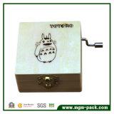 Caixa de música de madeira girada manualmente costume com Totoro