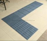 Warnningのスリップ防止ゴムPVC床のタクタイルタイル