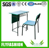Bureau et chaise simples simples moyens d'étudiant à vendre