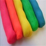 Arcilla de la harina de trigo que modela la pasta del juego del juguete del color