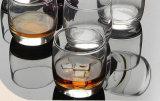 LEEDはウィスキーのマグの飲むガラスを放す