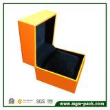 Einfacher Entwurfs-Plastikuhr-Kasten mit Leder
