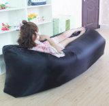 OEMのロゴの速く膨脹可能な空気不精なソファー