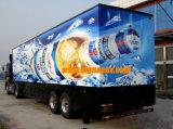 Omnibus que hace publicidad de la etiqueta engomada