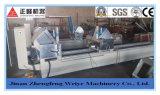 Вырезывание профиля PVC и алюминия и обрабатывая машина