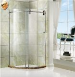 Deslizando o cerco do chuveiro do banheiro dos rolos com o punho do aço inoxidável