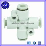 Versie Van uitstekende kwaliteit van de Montage van China verbindt de 10mm Plastic Pneumatische snel de Montage van de Lucht