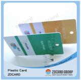 Cartão em branco plástico do tamanho do cartão de crédito no PVC