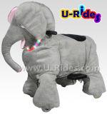 Tamanho grande de passeio do passeio animal do elefante para pais e miúdos junto