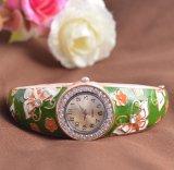 Reloj cristalino 4colors del brazalete de la mariposa de la manera