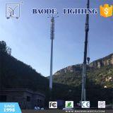 De Mast van de Antenne van de microgolf en Communicatie Toren met LEIDENE Verlichting