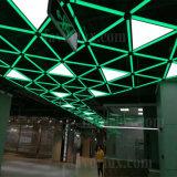주문을 받아서 만들어진 LED 1200*1200*1200 삼각형 위원회 빛