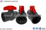 Robinets à tournant sphérique en plastique filetés par BS chauds de PVC de vente