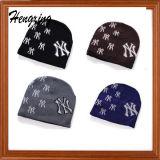 Kundenspezifische Stickerei gestrickte Hüte mit Ihrem konzipiert