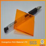 Placa de acrílico plástica dura para el corte del laser