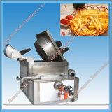 Pommes chips automatiques faisant frire des pommes frites de machine faisant frire la machine