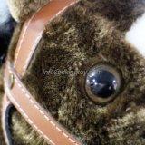 Passeio do cavalo da mola no brinquedo do cavalo para o teste da passagem En71 das crianças