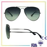 2016 occhiali da sole neri di modo del metallo con il marchio su ordinazione