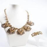 Conjunto cristalino de la joyería de la manera del collar de la pulsera del pendiente de la nueva resina del diseño