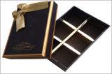 Rectángulo de regalo de empaquetado de la torta del papel de la cartulina con la cinta