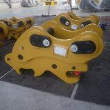 Exkavator zerteilt doppeltes Safepin-Schnellkuppler