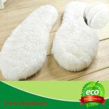 Sottopiedi caldi della pelliccia dell'agnello