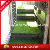 Erba artificiale dell'interno ed esterna per la casa ed il giardino