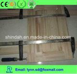 Adhésif dans l'environnement blanc de colle avec l'utilisation du bois
