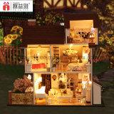 2017 neue Ankünfte Handemade hölzerner SpielzeugDIY Dollhouse für Kind-beste Geschenk-Blumen-Stadt