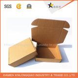 La fábrica crea las blusas para requisitos particulares que empaquetan el rectángulo