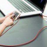 Relâmpago firme a USB Syncing e cabo cobrando dos dados do cabo