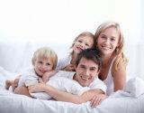 Симпатичное белое гусыни одеяло вниз для семьи