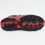 スリップ防止ゴム製足底が付いている屋外のハイキングのスポーツの靴